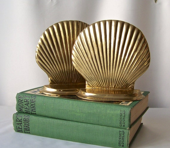 Vintage brass sea shell bookends nautical decor by for Vintage ocean decor