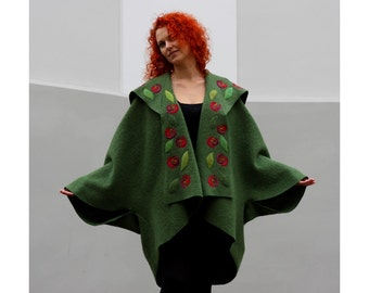 Individual and artistic green boucle woolen  lapelcoat with roses
