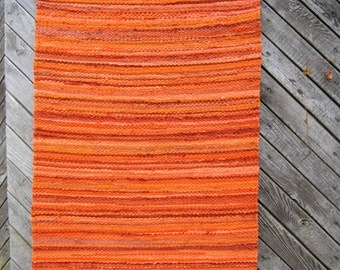 Handwoven  vintage look, Scandinavian style rag rug -2.14' x 6.19', different shades of orange, ready for sale
