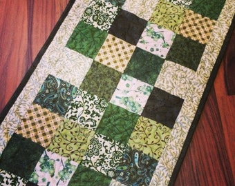 Green quilted table runner