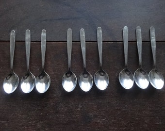 Vintage English Set 9 Teaspoons Tea Spoons Cutlery Silverware Flatware circa 1970's / English Shop