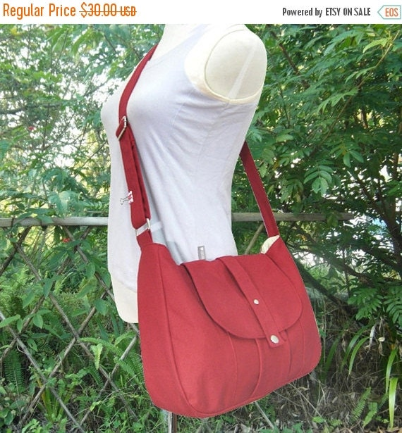 Summer Sale 10% off red cotton canvas bag / messenger bag / shoulder bag / purse / everyday bag / diaper bag / cross body bag - 6 pockets