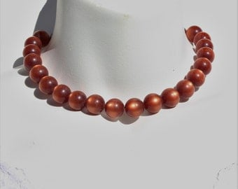 Vintage Burgundy Reddish Brown Moonglow Lucite Ball Beaded Choker Necklace