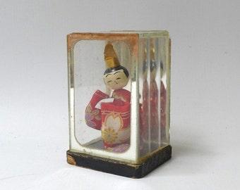 ON SALE Vintage collectable small Japanese geisha doll diorama, shadow box miniature geisha doll, mid century Japan souvenir