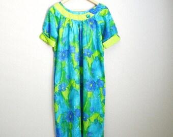 July SALE - 15% Off - Vintage 50s 60s Paradise Hawaii MuuMuu Dress Lounge Luau Tiki Bathing Suit Cover Up Dress // medium