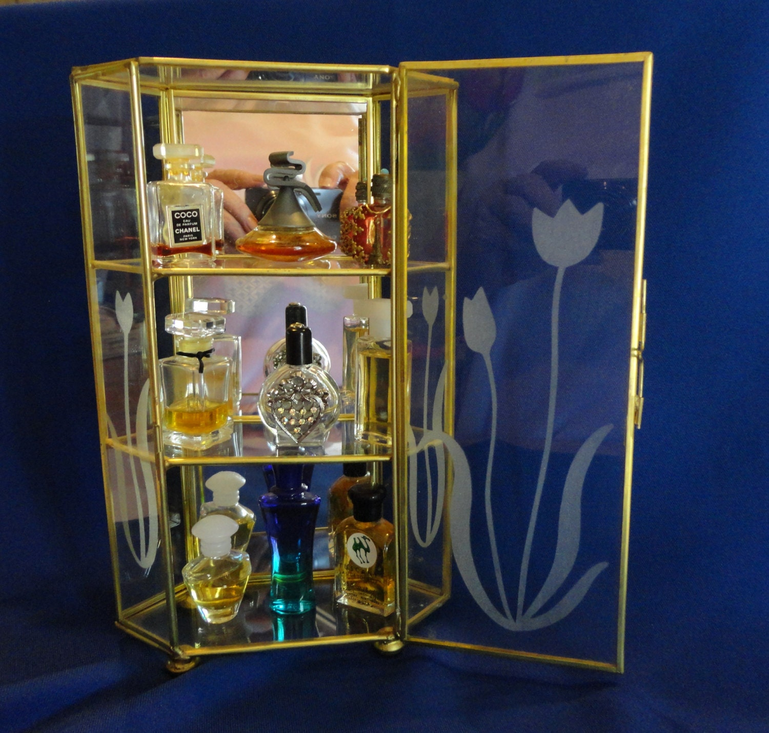 Perfume Tester Display: Miniature Perfume Display Case Containing 9 Vintage And
