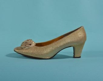 Vintage 1960s Gold Wedding Shoes - High Heel Floral Rosettes - Bridal Fashions