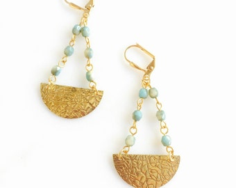 Chic Crescent Beaded Chain Earrings in Aqua and Gold. Gold Dangle Earrings.  Geometric Earrings.  Modern Jewelry. Gift for Her.