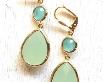 Mint and Aqua Dangle Earrings in Gold. Drop Earrings. Bridesmaids Earrings. Gift. Wedding Jewelry. Aqua Dangle Earrings. Gift.