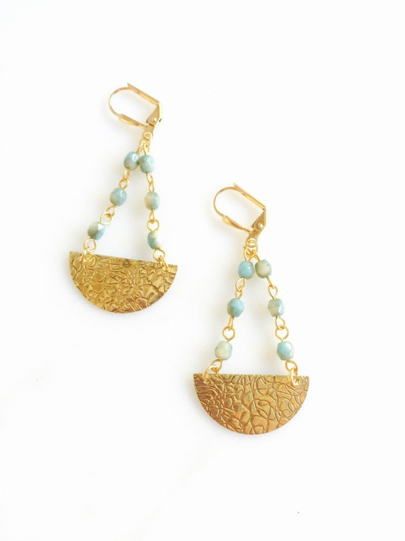 Chic Crescent Beaded Chain Earrings in Aqua and Gold. Gold Dangle Earrings.  Geometric Earrings.  Modern Jewelry. Gift for Her.