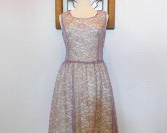 Lace Party Dress Vintage Sleeveless Lavender Tea Length Dress - M / L