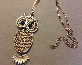 Vintage Coventry Owl Pendant with large onyx eyes on matching textured chain 1970
