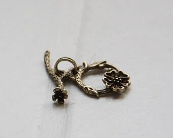2 Sets / Antique Brass / Flower Toggle / Brass Base / Clasp / Toggle Clasp (Z7262//C546)
