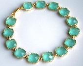 Aqua Blue Mint Gold Bracelet. Glass Bracelet. Mint Green. Light Mint. Mint Bracelet. Bridesmaid Bracelet. Wedding Bracelet. Wedding Jewelry