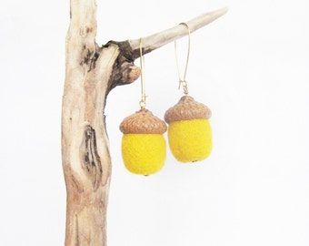 Yellow wool felt acorn earrings Needle felted acorns Woodland jewelry Nature accessory Woolen jewelry Spring gift for her under 20
