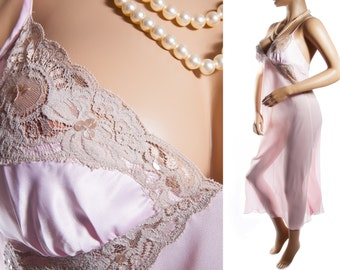 Stunning 'Reger by Janet Reger' soft rose pink polyester crepe and delicate coffee lace detail 1990's vintage full length nightgown - 3560