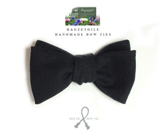 Linen Bow Tie, black, freestyle, self tie, for men, adjustable bowtie - handmade by Bagzetoile