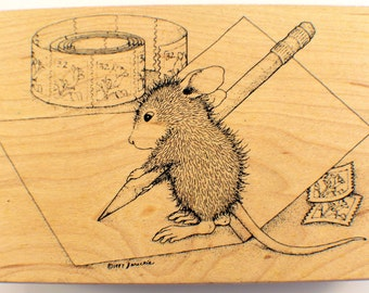 Stampa Rosa House Mouse Designs Signing A Card With Pencil And Paper #212 1998