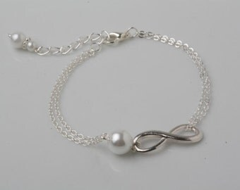 Infinity bracelet, Bridesmaid bracelet, eternity bracelet, friendship bracelet, best friend gift, mother of the bride gift, infinity jewelry