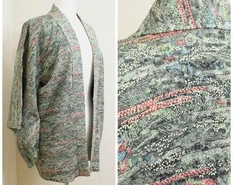 Japanese Haori Jacket. Vintage Silk Coat Worn Over Kimono. Artisan Dyed Crepe Silk in Green Traditional Design (Ref: 80)