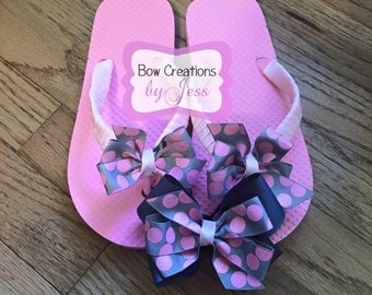 Girls Flip Flop size 2-3 With Bonus Hair Bow, Flips, Hair Bow, Hairbow, Girls Shoes, Summer, Spring, Pink And Gray, Girls, Flips, Sandals