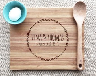 Personalized Arrow Cutting Board, Custom Names And Established Date, Engraved Bamboo Cutting Board, Wedding or Anniversary Gift