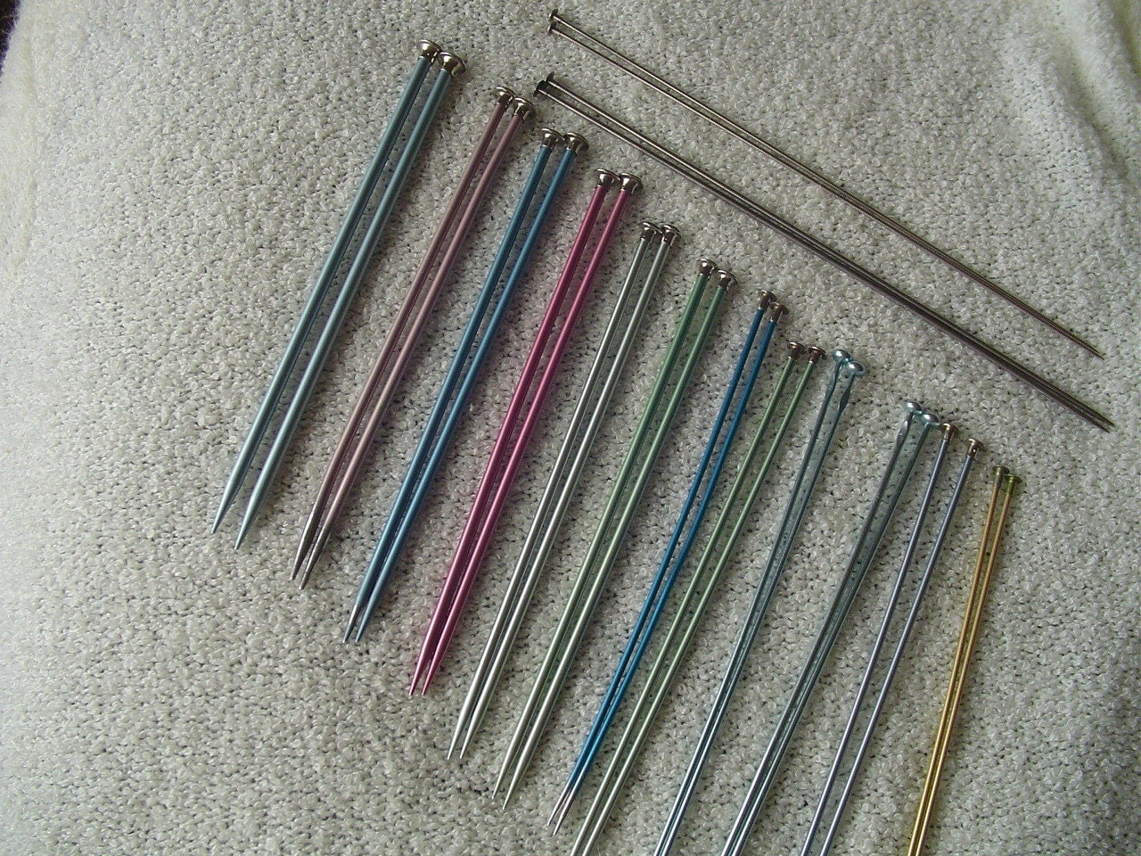 Knitting Needles No : Destash bates and no name brand knitting needles