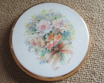 Stratton Powder Compact   Face Powder   Made in England