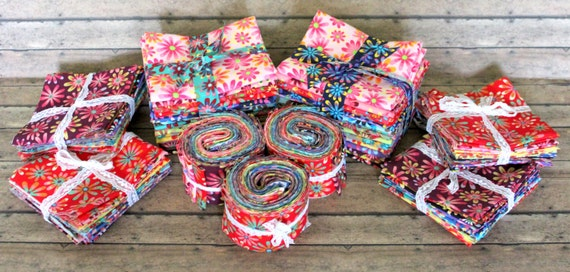"""JELLY ROLL FABRIC Bundle/100% Cotton Fabric/Quilt Fabric/Craft Fabric/Retro/Multi Color/Scattered Flowers/16 Fabric Strips/2.5"""" x 44"""""""
