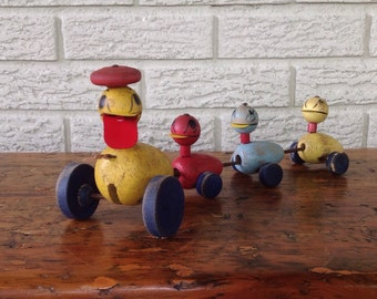 50s fisher price pull toy Quacky duck and family
