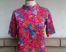 60s Floral Print Rolled Collar Summer Top . California Hippie Shirt Size S-M