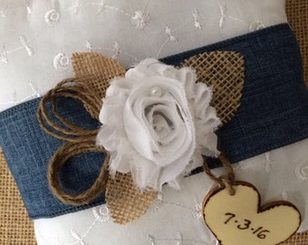 White Eyelet Ring Bearer Pillow, Ring Bearer Pillow, Rustic Ring Pillow, Wedding Accessory, Outdoor Wedding Ring Bearer Pillow