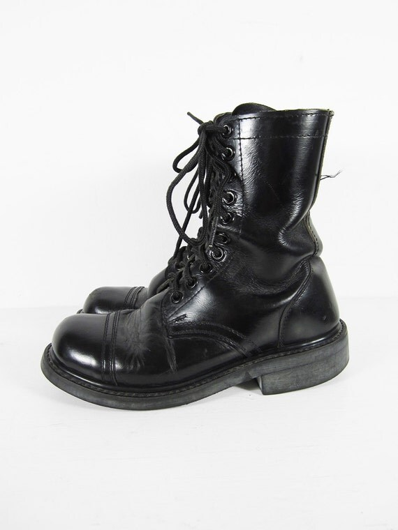 vintage 70s combat boots black leather jump boots cap toe lace