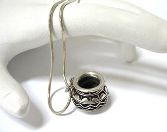 1970's Sterling Native American Pottery Pendant Necklace, urn, vase, 925 snake chain, gift idea, Excellent