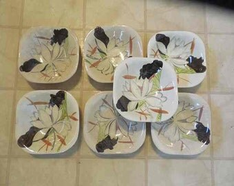 """Vintage 1950s 7 Red Wing Lotus Pattern Dessert Fruit Bowls; Hand Painted;  5"""" diameter; c. 1952 Stamped – Lot; Mid-Century Modern Dishes"""