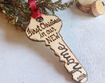 New Home Ornament Key Gift First Christmas Personalized with Year Wood Key Tree Decoration Real Estate Agent