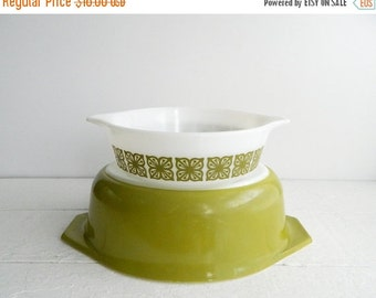 SALE Vintage Pyrex Verde Oval Casserole Dish- 043 1.5 Quart- Avocado Green Baking Dish