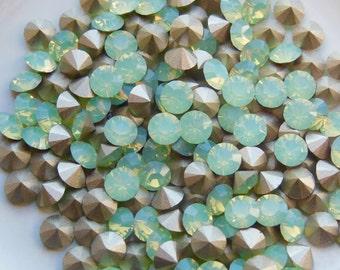 12 CHRYSOLITE OPAL Crystal Swarovski 24ss 1028 Chatons F