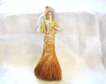 Porcelain Half Doll Bonnet Lady Clothes Brush Vanity Vanity Brush - Crumb Sweeper - Clothing Brush - Half Doll - Porcelain