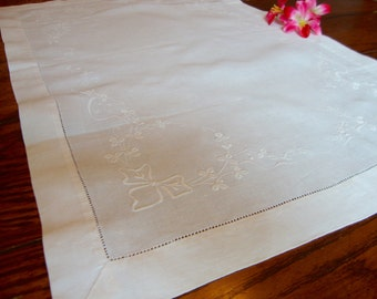 Linen Table Runner Vintage White Floral Embroidered Dresser Scarf Table Topper