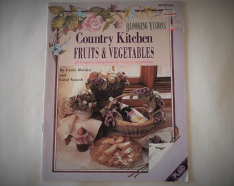 PLAID Country Kitchen Fruits & Vegetables Blooming Visions Issue 8703.