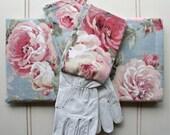 """Gardeners Giftset - Kneeling Pad & Gloves in """"Blush Pastel Rose"""""""