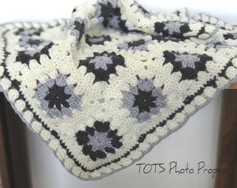 SALE Gray and Ivory Mini Blanket, Merino Wool Mat Newborn Photo Prop, Granny Square Crochet Baby Blanket, RTS