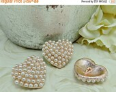 ON SALE Pearl Heart Button Valentine's Day Ivory Pearl Set In Gold Tone Metal Heart Buttons Embellishments For Hair Bow Centers Wedding Butt
