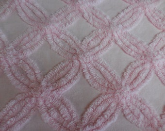"Pretty Plush PINK Double Wedding RINGS Design Vintage CHENILLE Bedspread Fabric - 22"" X 27"" - #2"