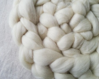 8oz Undyed Untreated BFL Wool Roving / Combed Top / Spinning Fibre