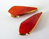 2 glass pendants, 24x10mm, red, pear