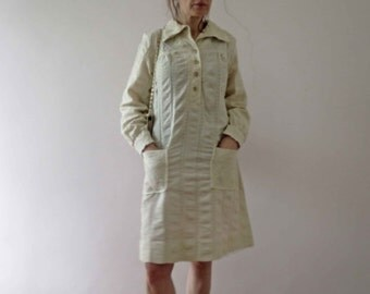 CLEARANCE 60s 70s Mod Ivory Seersucker Cotton Shirt Dress Minimalist Long Sleeve