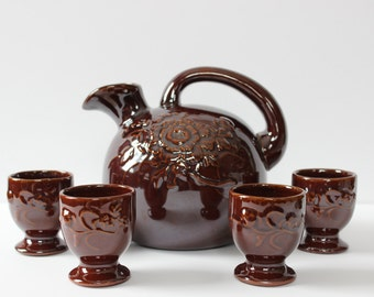 Japanese Sake Pot With Four Cups