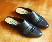 vintage black leather mules / size 7